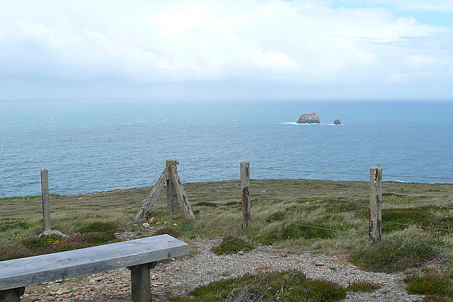From St Agnes Head towards Bawden Rocks