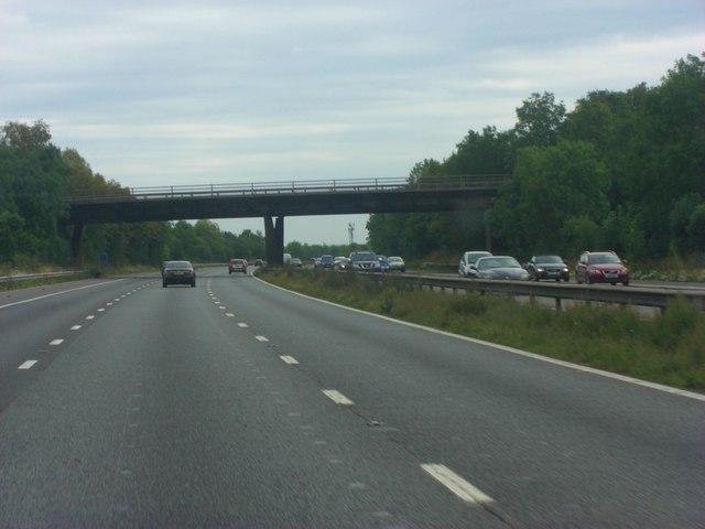 M4 roadbridge carrying B3024