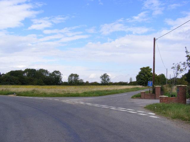 Lane  junction near Green Farm