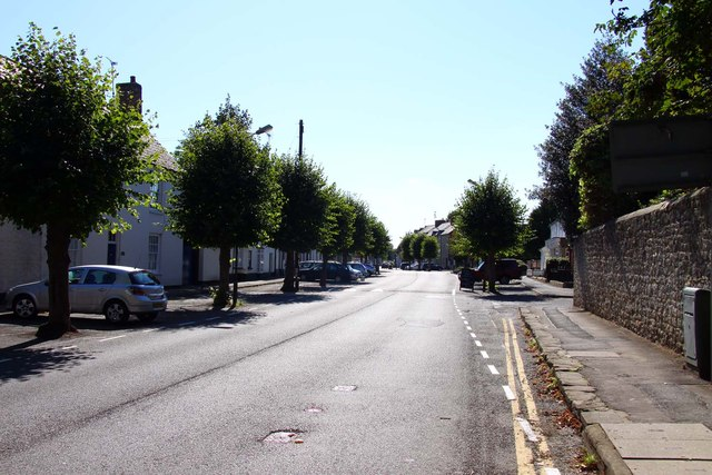 Tree lined High Street in Shrivenham