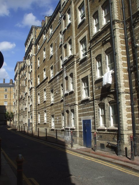 Pear Tree Court, off Farringdon Rd, London