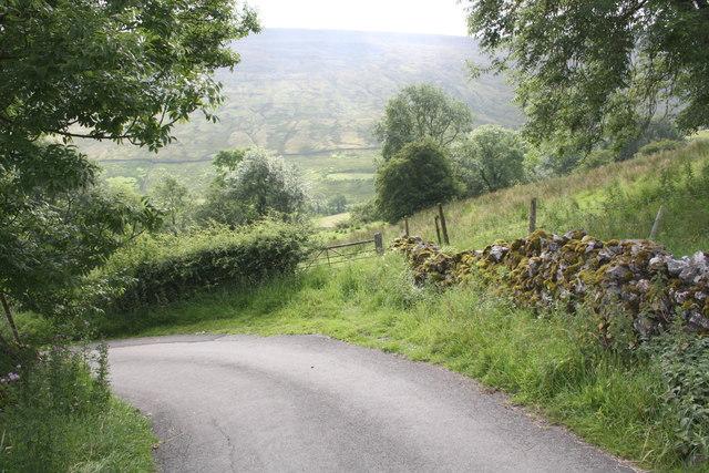 Bend in road near Gastack Beck Bottom