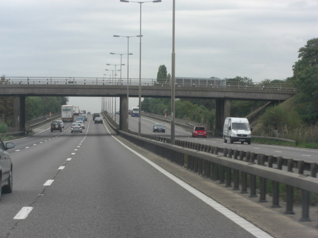 M4 approaches Monkey Island Lane overbridge