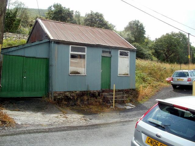 Tin shack, Heol Wenallt, Cwmgwrach