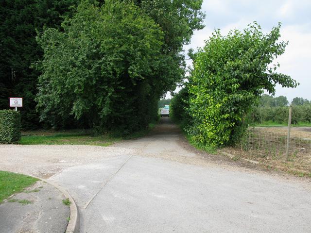 Bridleway from Felderland Lane to Biller's Bush