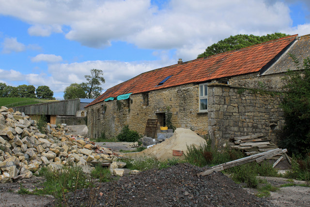 2011 : Tumbledown farm buildings being revived