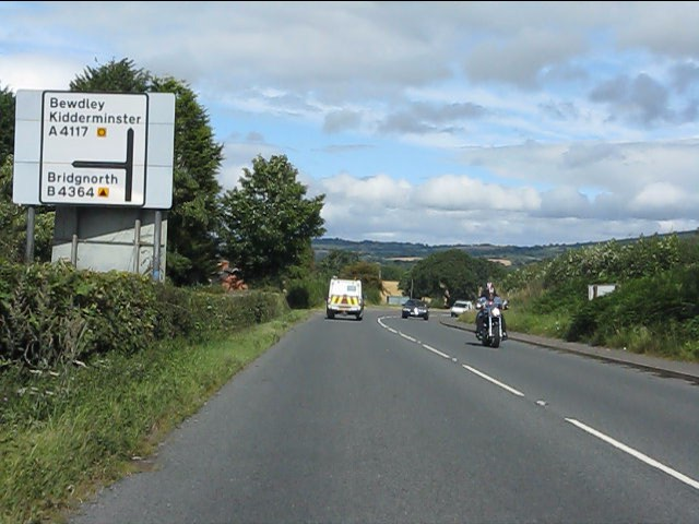 A4117 approaching the B4364 junction