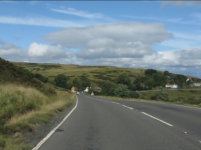 A4117 descending east from Cleehill