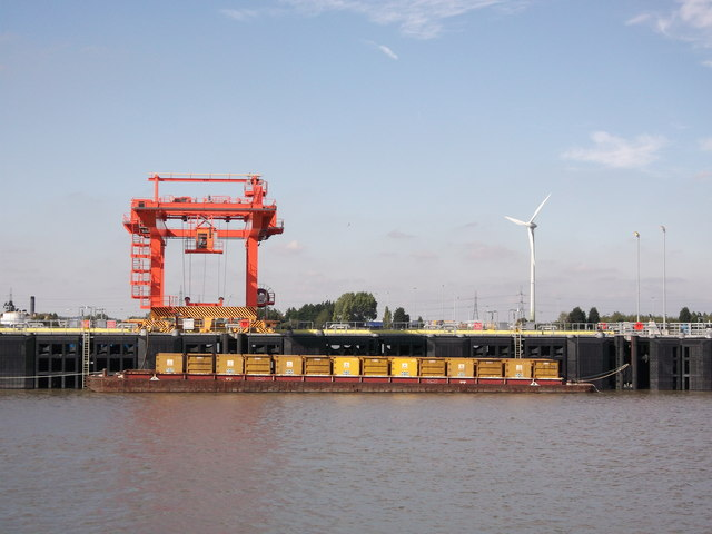 Container ship and Pier near Belvedere Incinerator