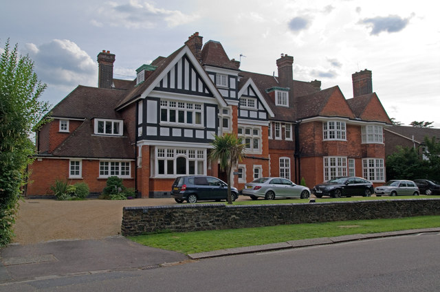 Avonhurst, Camden Park Road