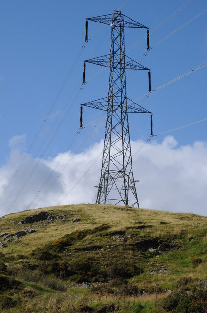 Pylon near Tyn-y-cae