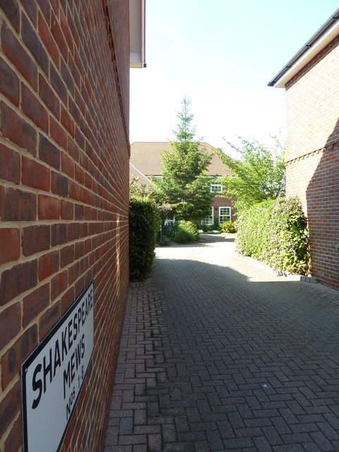 Looking from East Street into Shakespeare Mews
