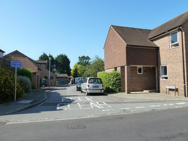 Looking from East Street into Chapelside