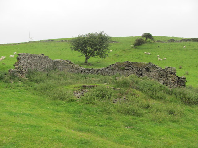 Ruined building on Mynydd Hugh