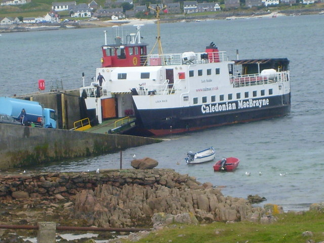 Iona ferry loading at Fionnphort