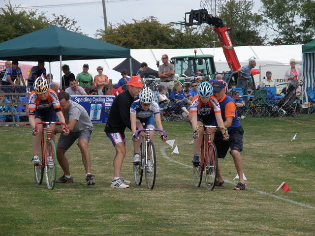 Cycle racing at the Heckington Show