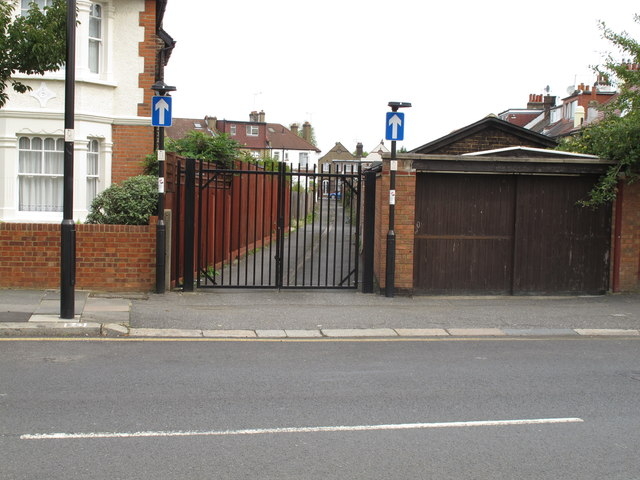 Gated alley off Noel Road, North Acton