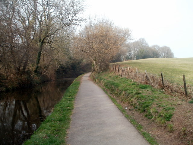 Approaching a canal tunnel, Cwmbran