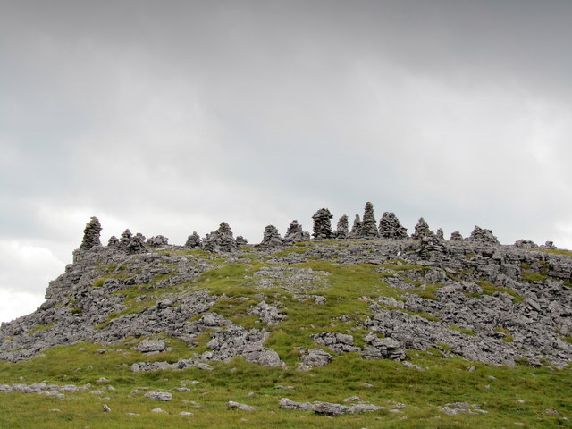 Cairns above Littondale