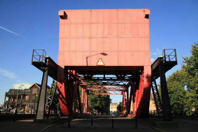 Scherzer rolling bridge, Surrey Dock entrance.