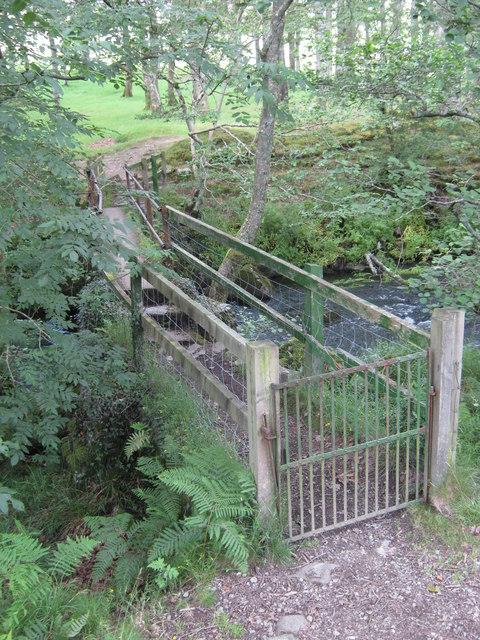 Footbridge across Nantcol river