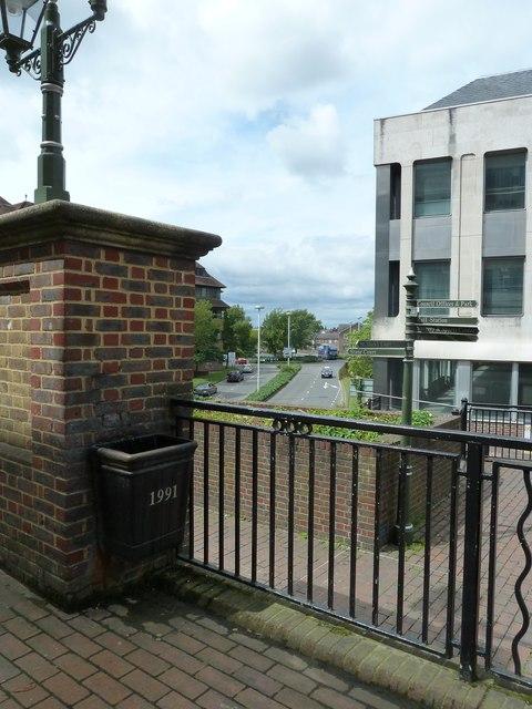 A dated litter bin in Horsham town centre