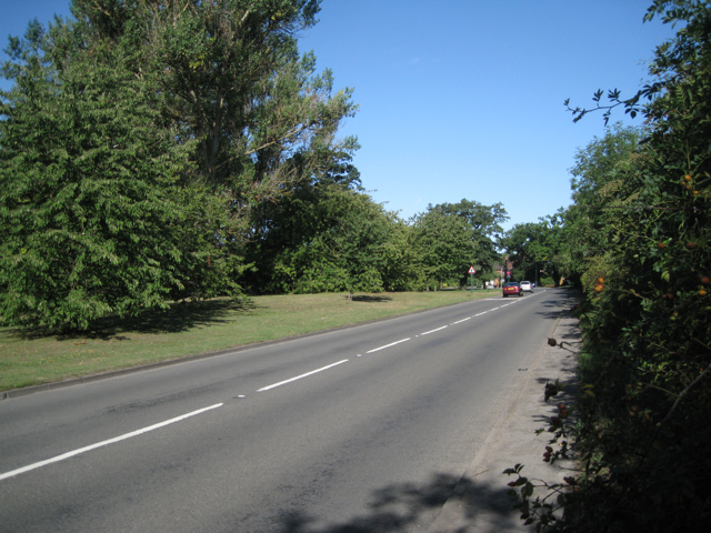 B4102 Meriden Road nears Hampton-in-Arden