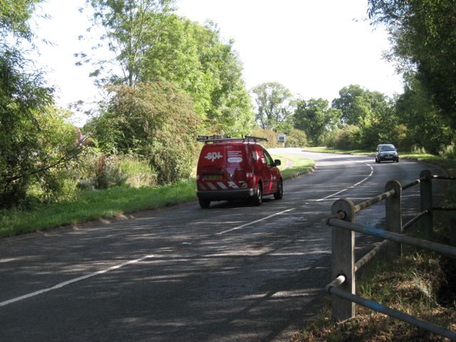 B4102 Meriden Road crosses a brook