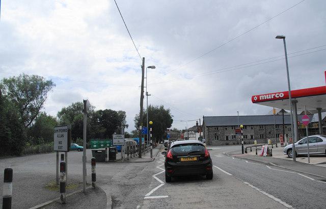 Traffic delay in Llansantffraid-ym-Mechain