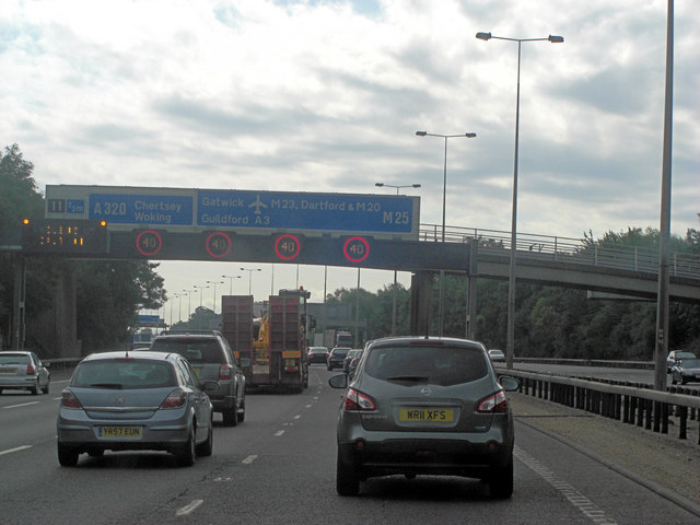 M25 gantry and footbridge before Junction 11