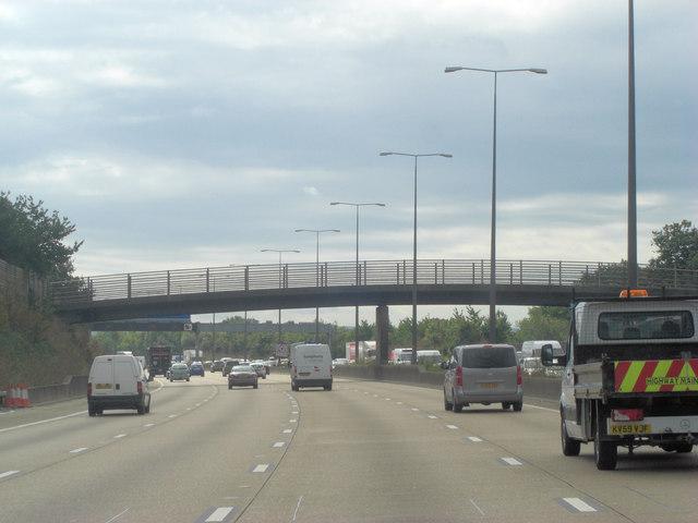 M25 Murray's bridge crosses