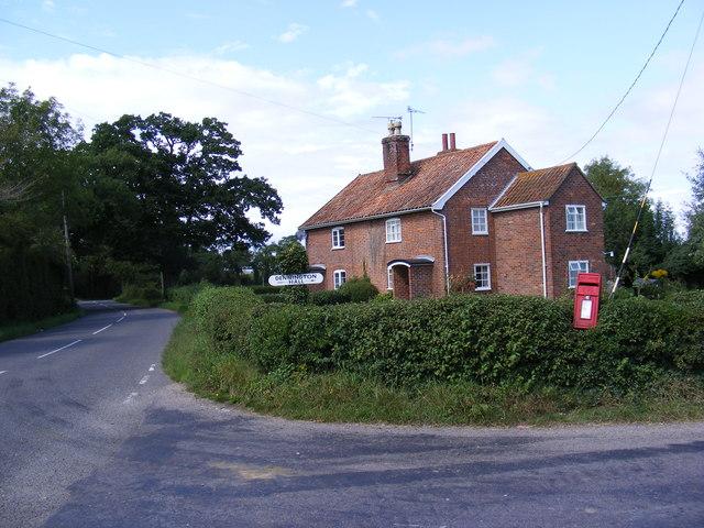 B1116 & Goddards Corner Postbox