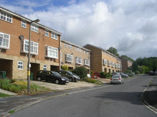 Hoyle Court Avenue - off Hoyle Court Road