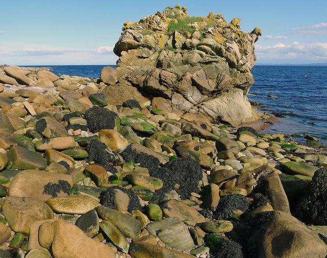 Seashore north of Eathie Burn