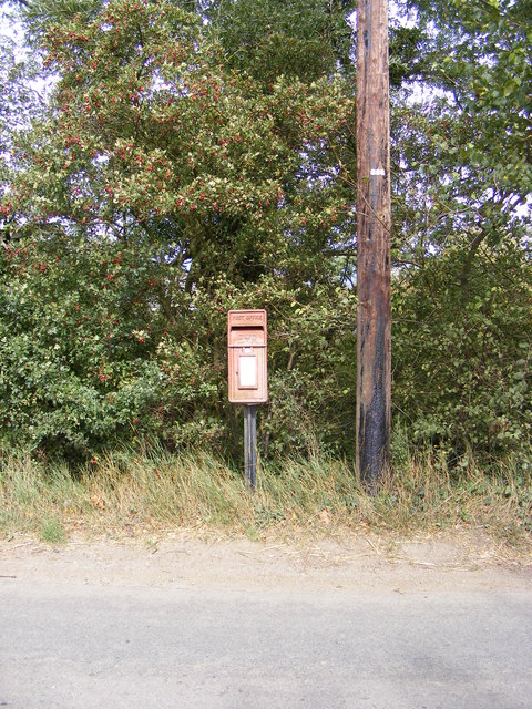 Grunsdisburgh Corner Postbox