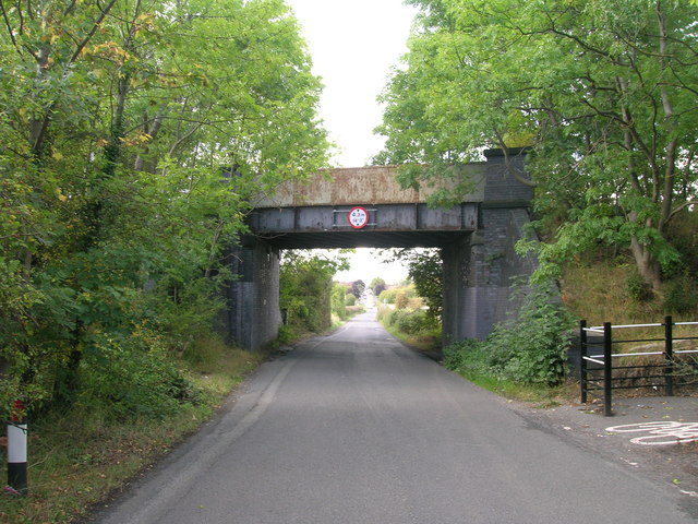 Disused railway bridge over Lord's Head Lane