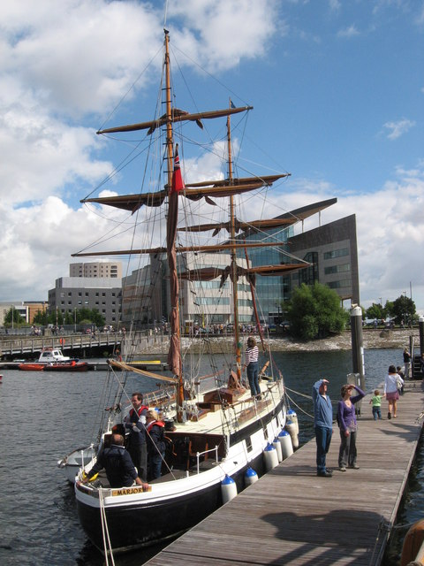 Marjorie at Cardiff Harbour Festival