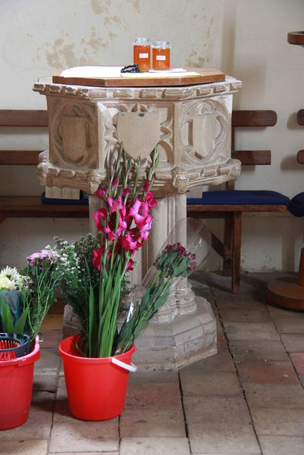 St Edmund, Costessey - Font