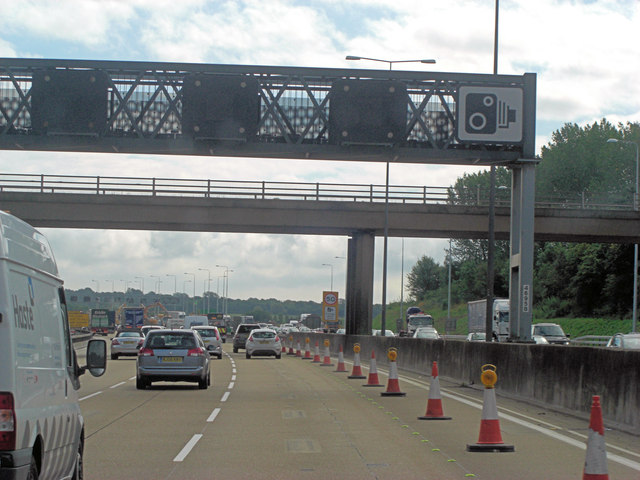 M25 bridge carries the Horsley Road