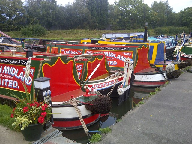 Narrowboats Marina