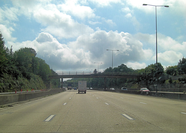 M25 farm-bridge carrying Sturt's Lane