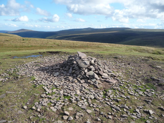 Cairn on the summit of Twmpa