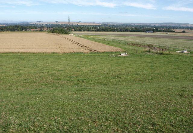 Farmland south of Urchfont