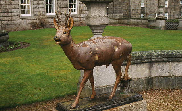 Statue of a roe deer at Balmoral Castle