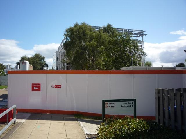 E block construction work
