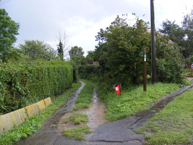 Lodge Lane Bridleway to Tinker's Walks