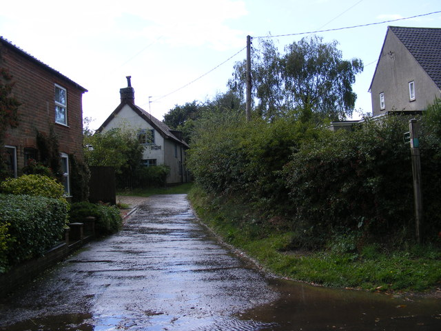 Bridleway to the A12 London Road