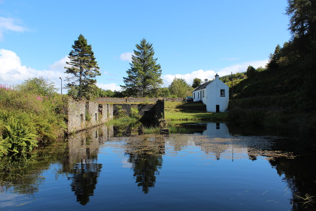 Ruins of The Linnet Shed, Crinan Canal