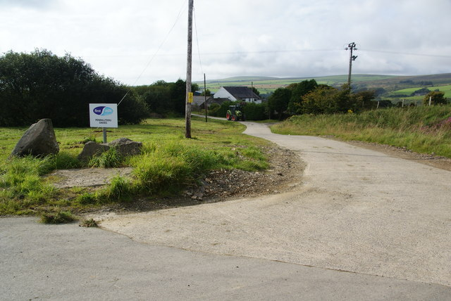 Farm access at Ty-gwyn