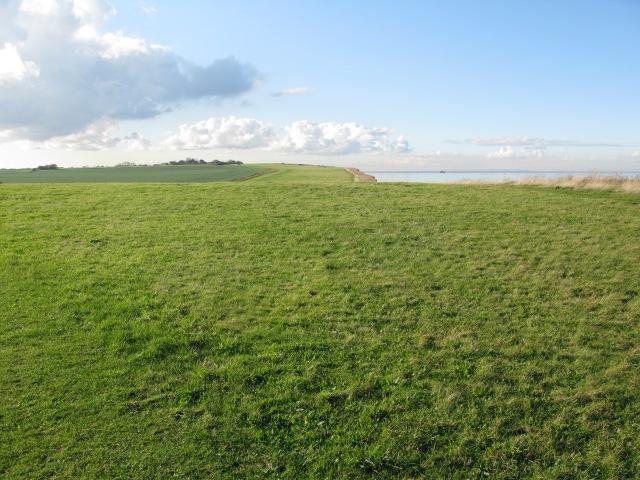 View along the coastal path towards Herne Bay